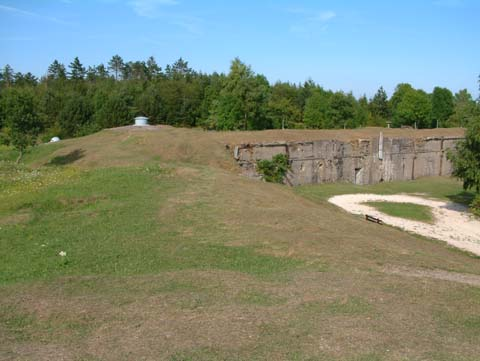 The barrack block at Froideterre