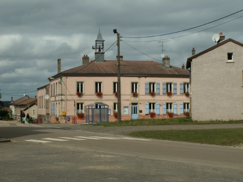 The modern day village of Mangiennes