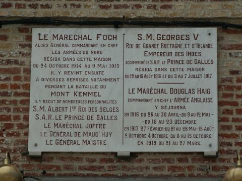 Hotel Schoebeque memorial plaque