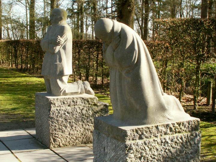 The grieving parents by Käthe Kollwitz